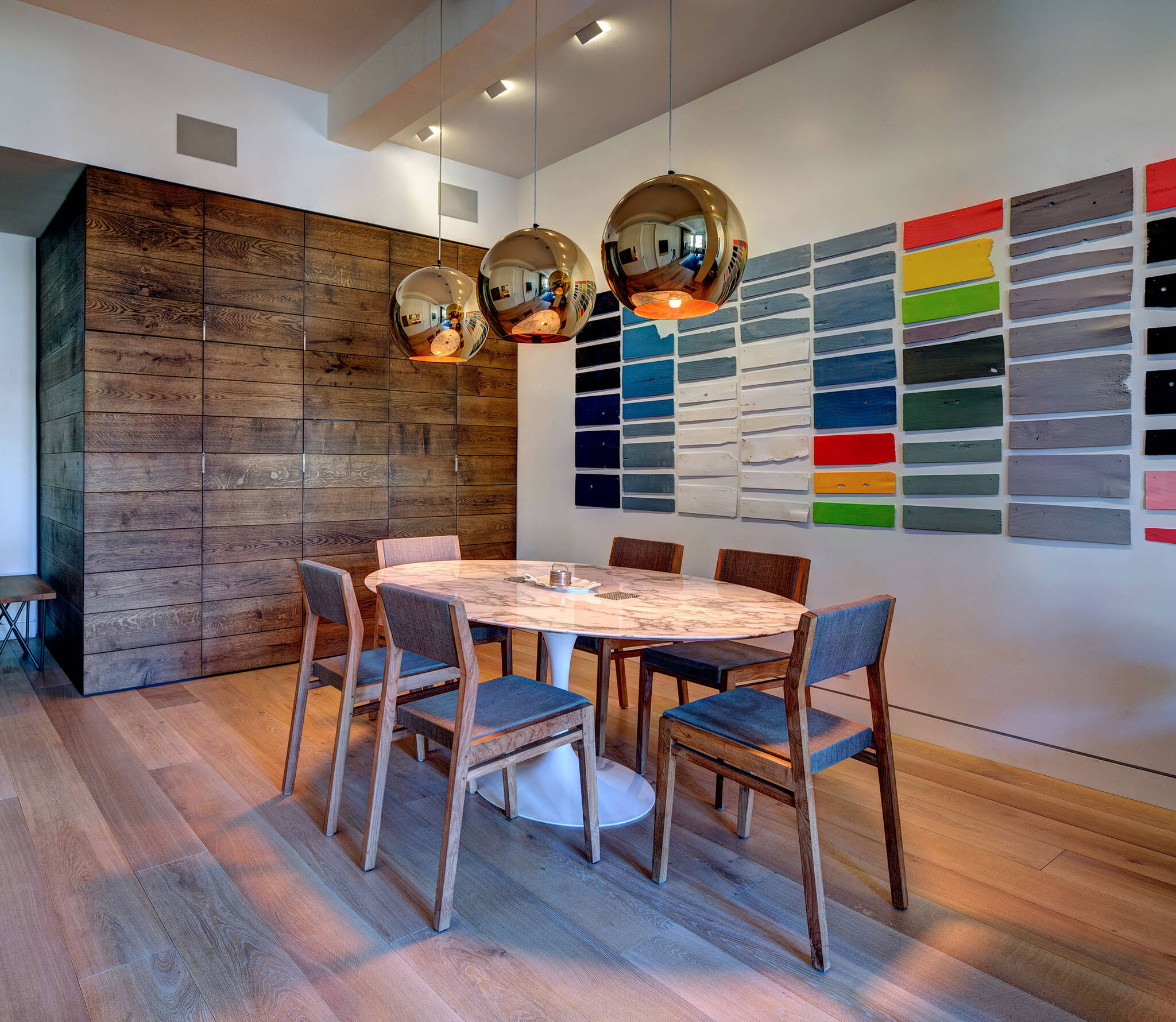 Renovation project of a residence in the Chelsea Mews building on the Flatiron District in Manhattan, New York City designed by the architecture studio Danny Forster & Architecture