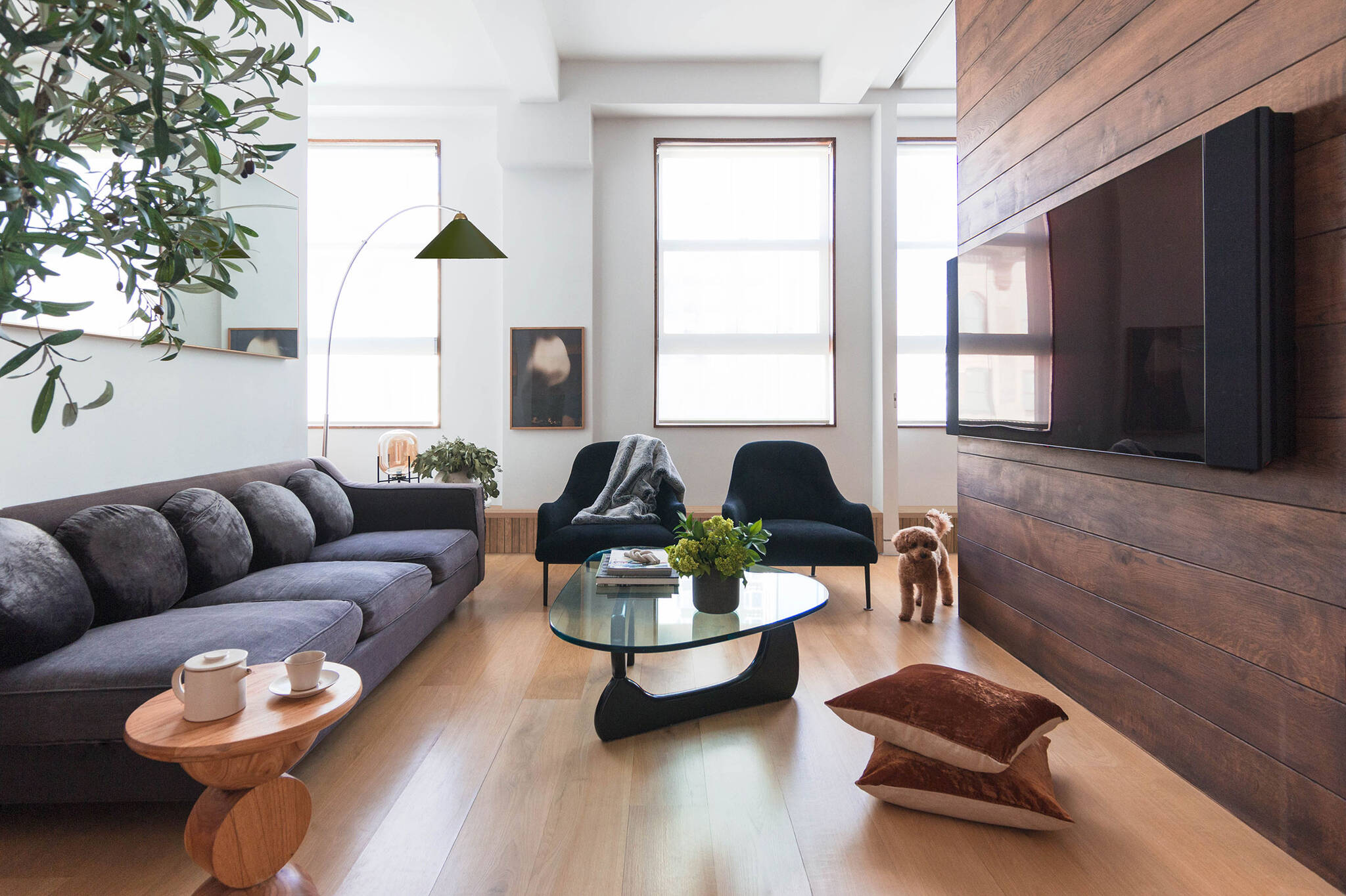 Living room of the Loft renovation project in Chelsea, New York City designed by the architecture studio Danny Forster & Architecture