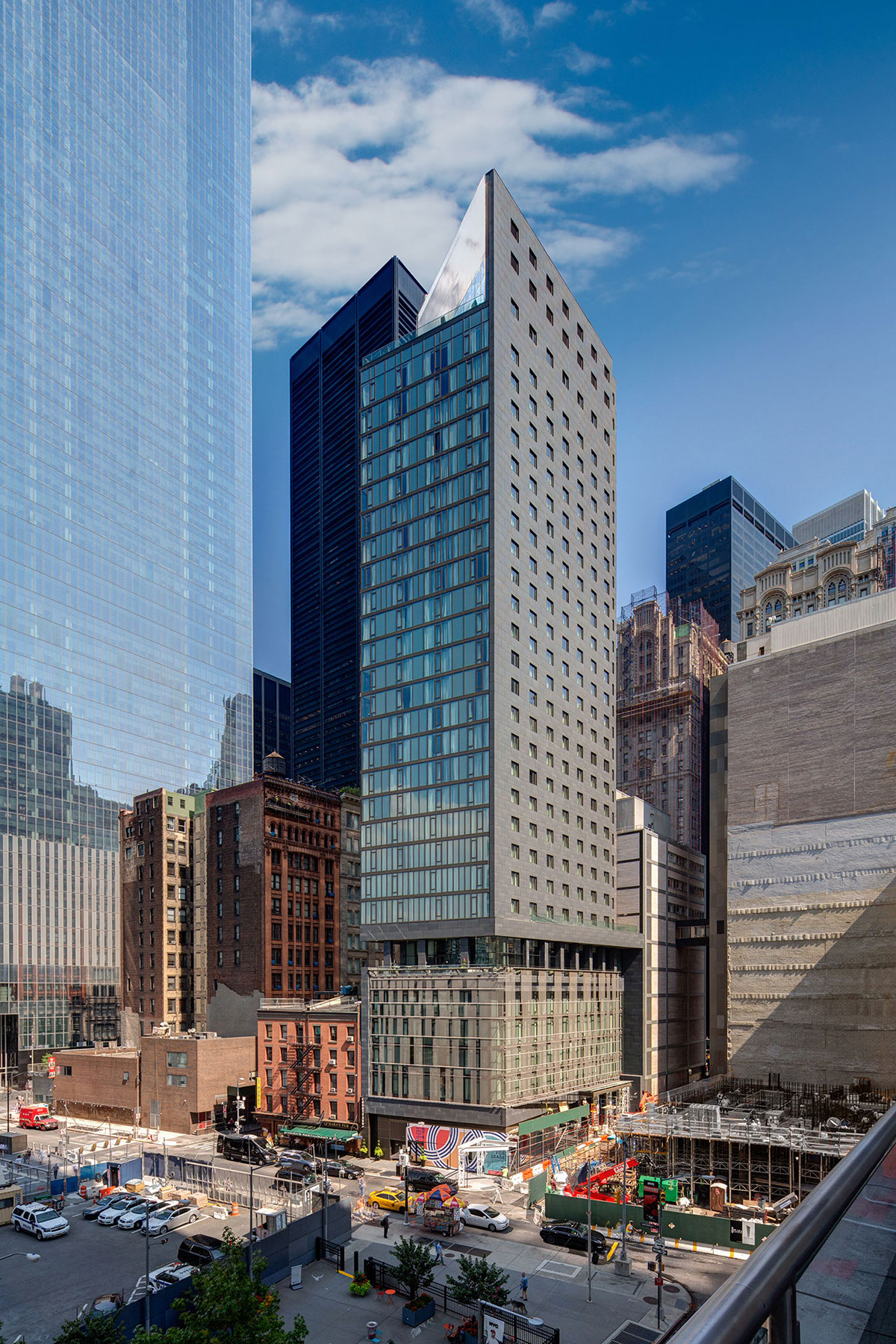 South facade of the World Trade Center Tower Courtyard by Marriott project on the 133 Greenwich street in Downtown Manhattan designed by the architecture studio Danny Forster & Architecture