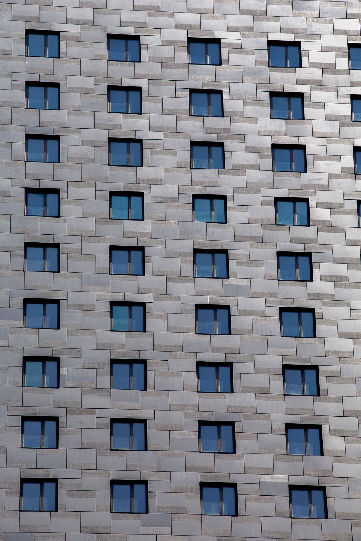 Detail of the stone wall on the South facade of the World Trade Center Tower Courtyard by Marriott project on the 133 Greenwich street in Downtown Manhattan designed by the architecture studio Danny Forster & Architecture