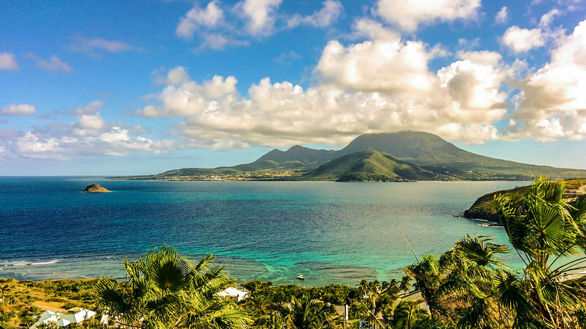 The Nevisian Luxury Resort project is located in Nevis island in the Lesser Antilles designed by the architecture studio Danny Forster & Architecture